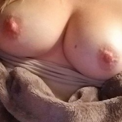Medium tits of my girlfriend - Melanie