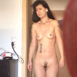 Nicole Full Naked - Nude Girls, Brunette, Small Tits, Amateur, Tattoos, Bush Or Hairy