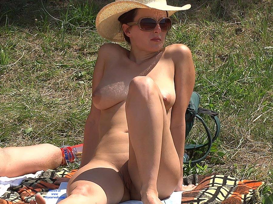 Pic #1 Straw Hat - Nude Girls, Big Tits, Outdoors, Shaved