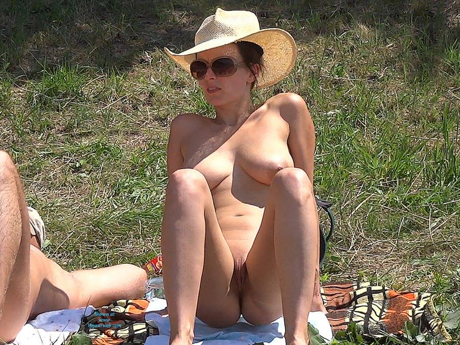 Pic #8 Straw Hat - Nude Girls, Big Tits, Outdoors, Shaved