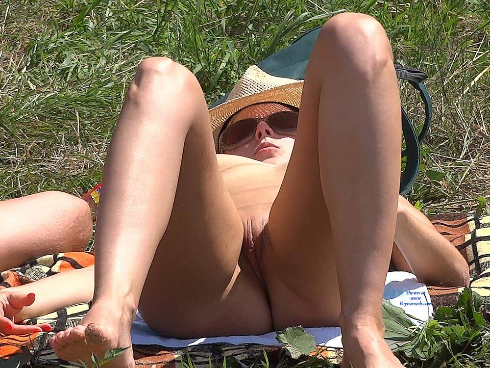 Pic #10 Straw Hat - Nude Girls, Big Tits, Outdoors, Shaved