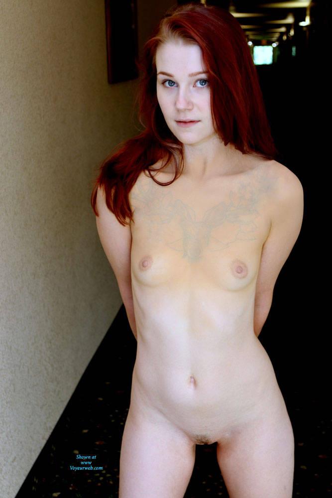 Nude Nude Dare Public Pic