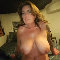 Look At My Buggs - Big Tits, Brunette, Shaved, Amateur, Tattoos