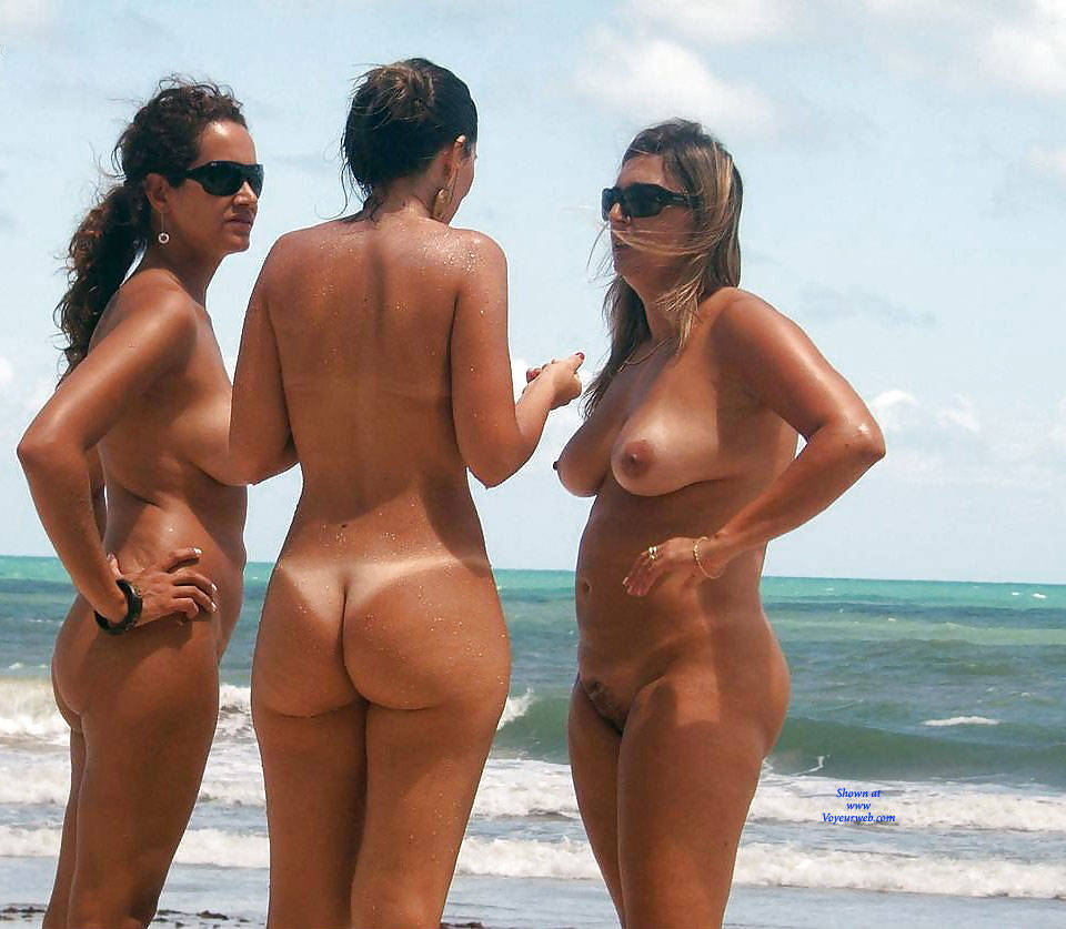 Beach Nude Women Photos