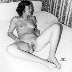 Open For Display - Nude Amateurs, Bush Or Hairy