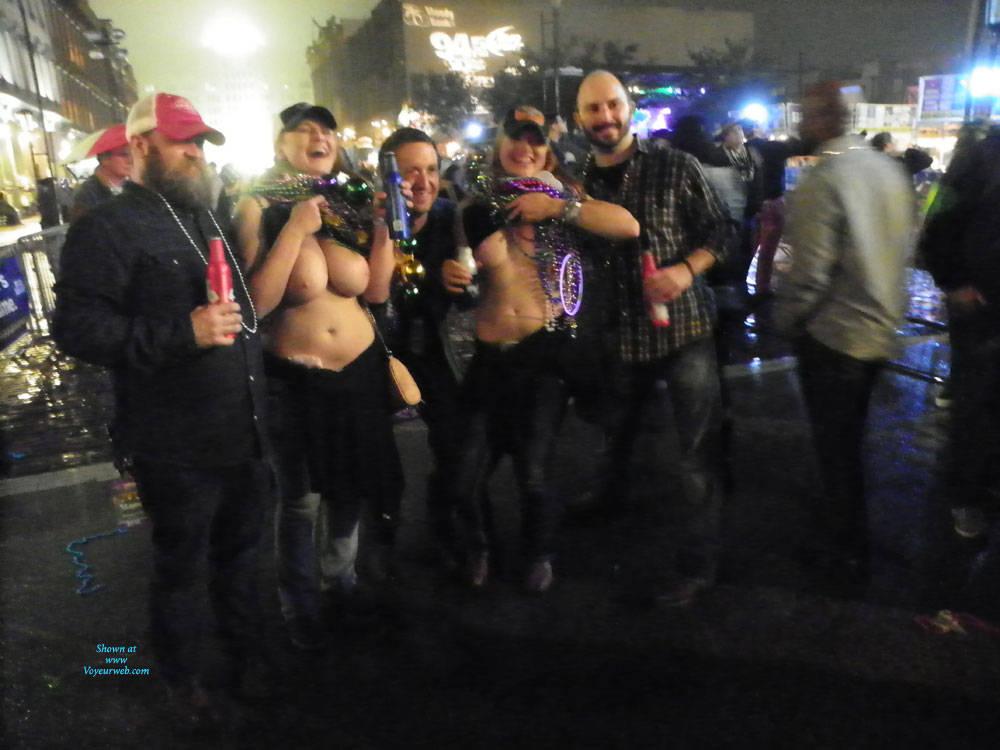 Pic #4 Galveston, TX Mardi Gras - Big Tits, Outdoors, Public Place