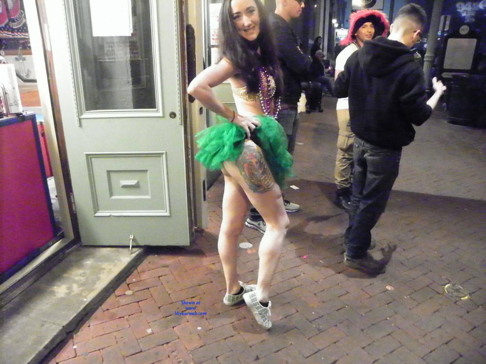 Pic #1 Galveston, TX Mardi Gras - Big Tits, Outdoors, Public Place