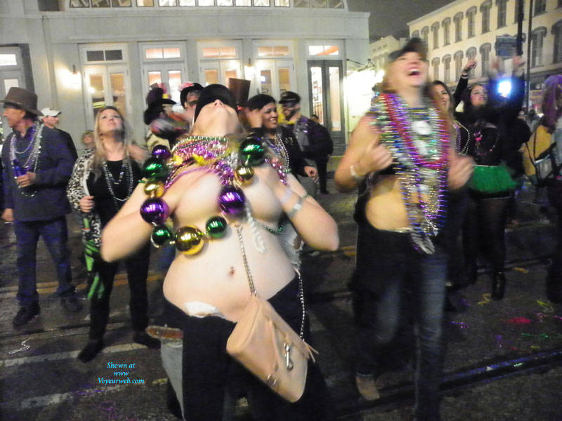 Pic #8 Galveston, TX Mardi Gras - Big Tits, Outdoors, Public Place