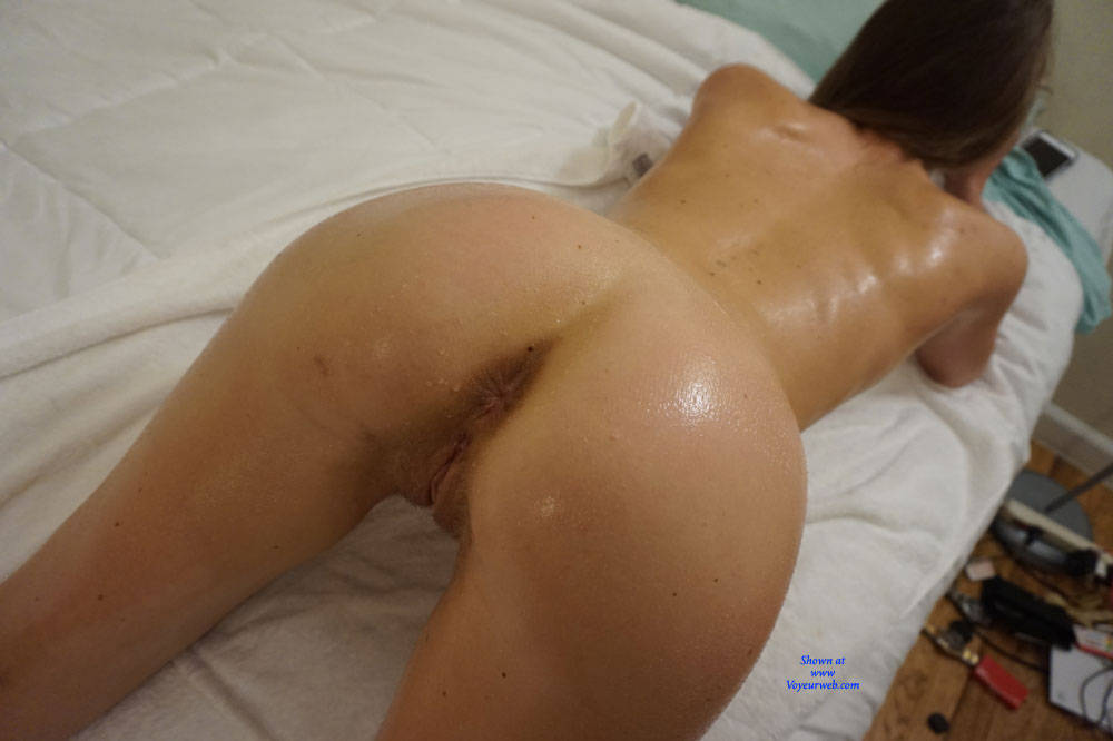 Pic #6 Amateur Anika Posing For First Time - Nude Girls, Amateur, Firm Ass