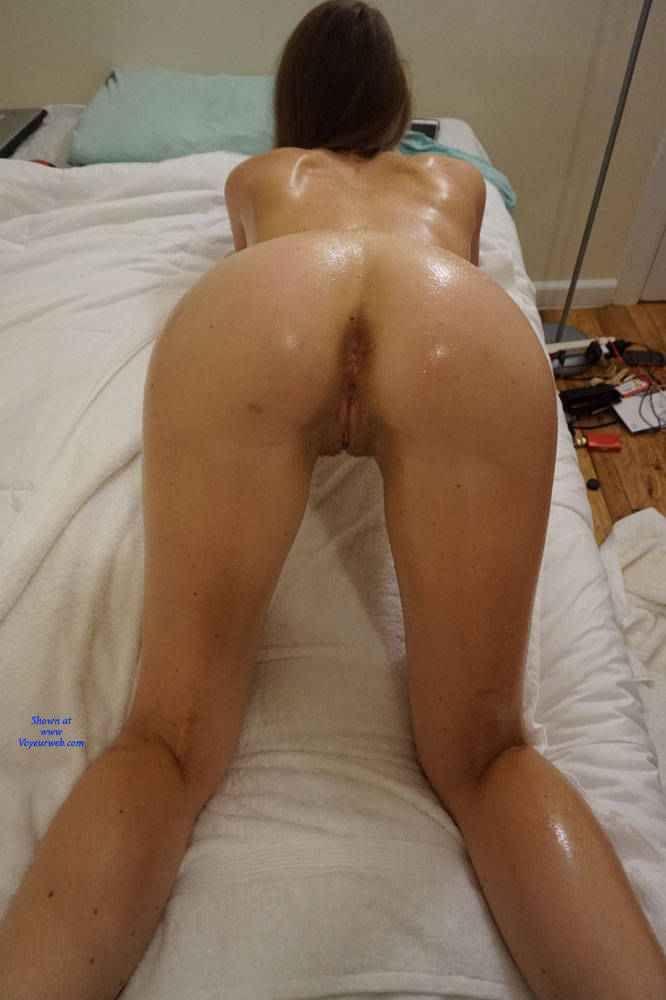 Pic #8 Amateur Anika Posing For First Time - Nude Girls, Amateur, Firm Ass