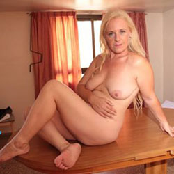 Laura Milf Argentina Sensual - Nude Girls, Blonde, Amateur