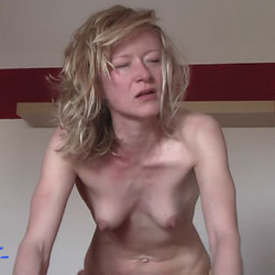 Deep Orgasmic - Blonde, Amateur