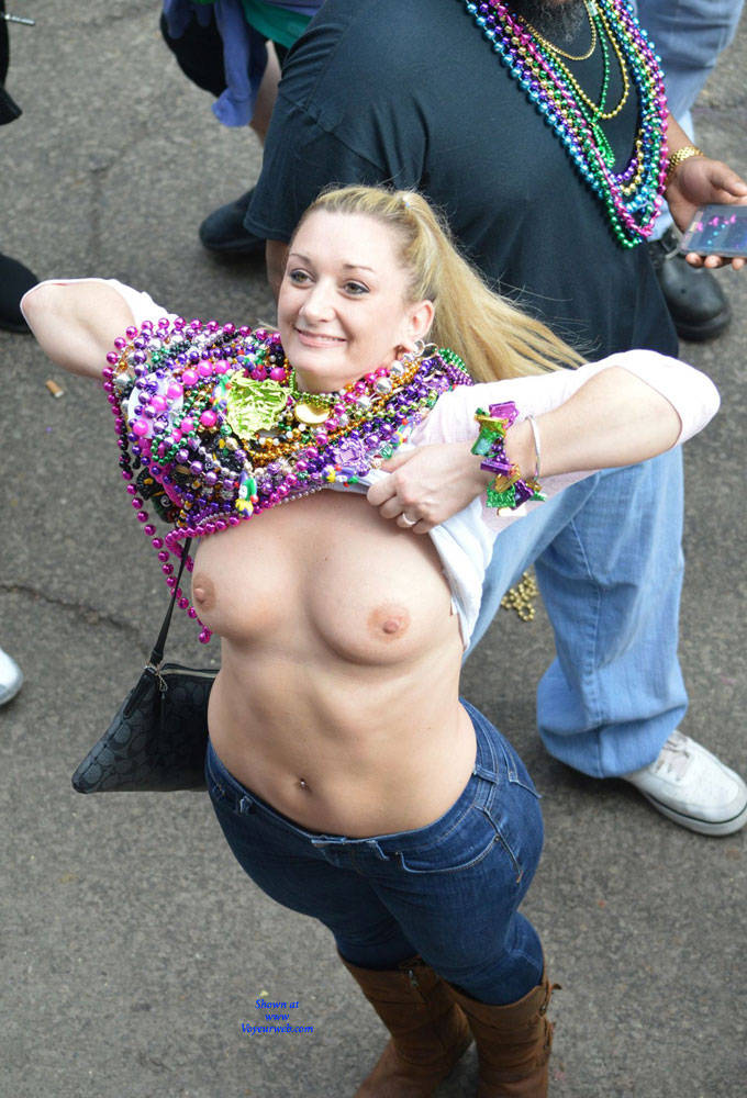 Pic #1 Mardi Gras - Big Tits, Public Exhibitionist, Flashing, Outdoors, Public Place