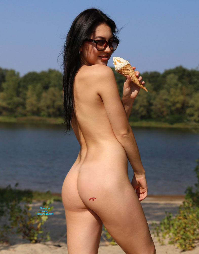 Pic #2 Ice Cream On The Beach - Nude Girls, Beach, Big Tits, Brunette, Outdoors, Shaved, Amateur, Firm Ass