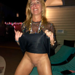 Sexy Starla - Blonde, Public Exhibitionist, Flashing, Outdoors, Public Place, Shaved, Amateur, Pantieless Girls