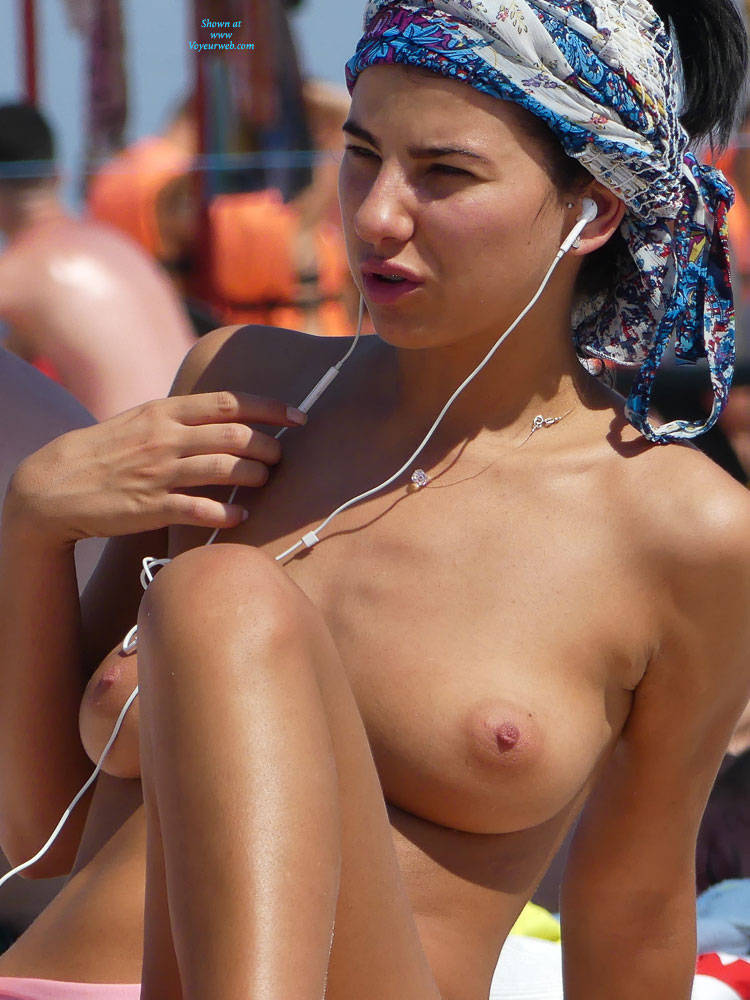 Pic #2 Oh Those Topless Chicks - Topless Girls, Beach, Big Tits, Brunette, Outdoors, Beach Voyeur