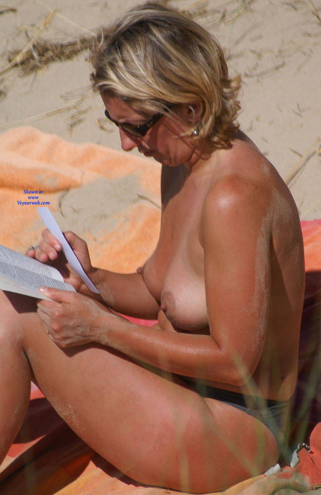 Pic #7 Pretty Milf North Of France - Topless Girls, Outdoors