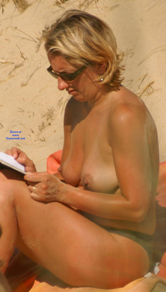 Pic #8 Pretty Milf North Of France - Topless Girls, Outdoors