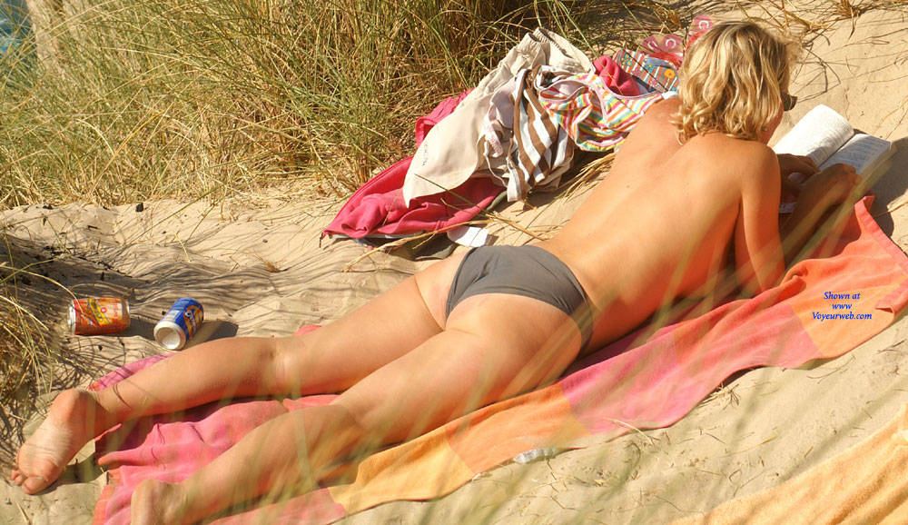 Pic #2 Pretty Milf North Of France - Topless Girls, Outdoors