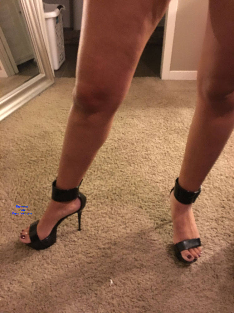 Pic #3 Wife's Sexy Feet - Foot Pics