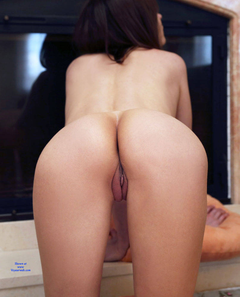 Pic #6 At Home - Nude Girls, Big Tits, Brunette, Shaved, Amateur, Firm Ass