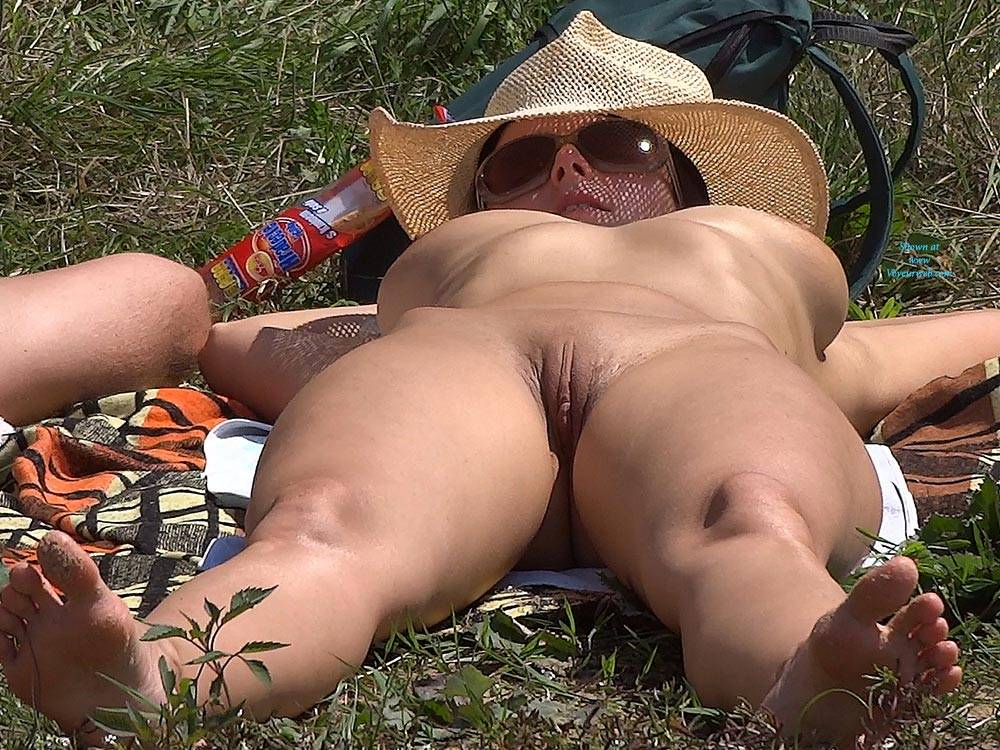 Pic #9 Straw Hat 2 - Nude Girls, Outdoors, Shaved, Firm Ass