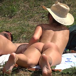 Straw Hat Under The Sun - Exposed In Public, Lying Down, Naked Outdoors, Nude In Nature, Round Ass, Naked Girl, Sexy Ass, Sexy Body, Sexy Figure, Sexy Girl, Sexy Legs , Naked, Outdoor, Hat, Legs, Back, Ass