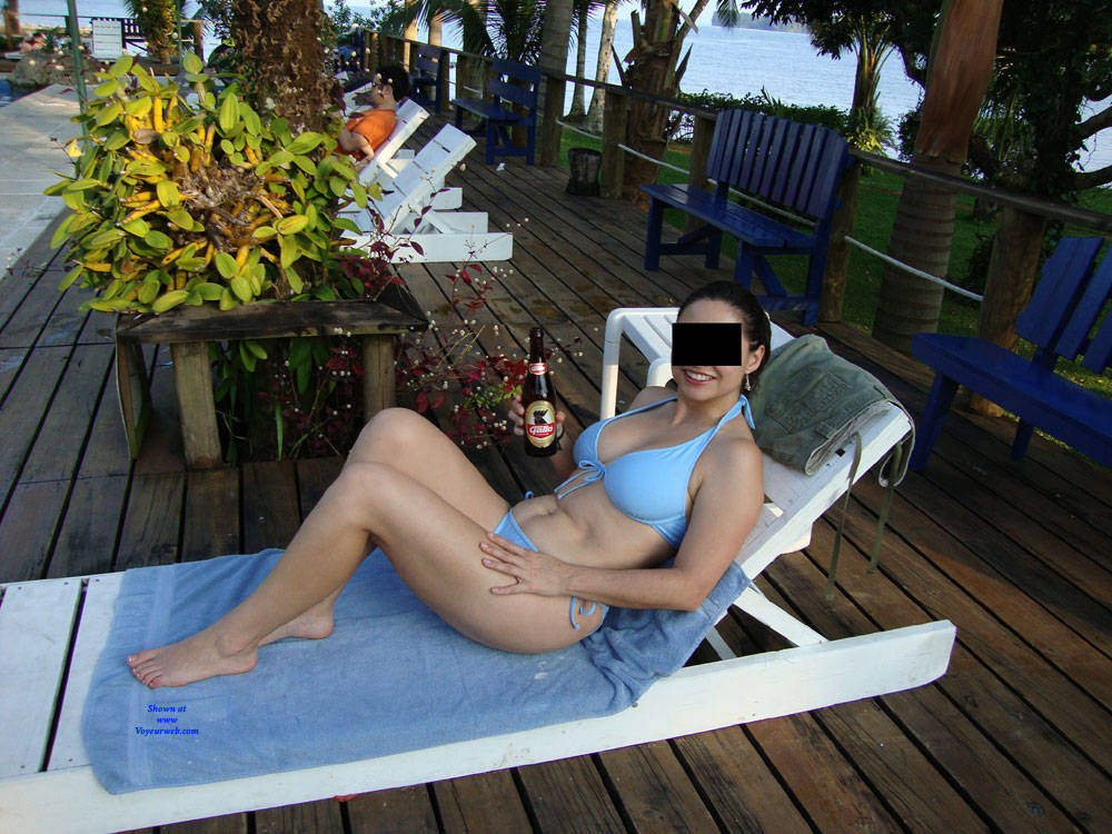 Pic #1 Hot And Sexy Milf - Brunette, Outdoors, Amateur