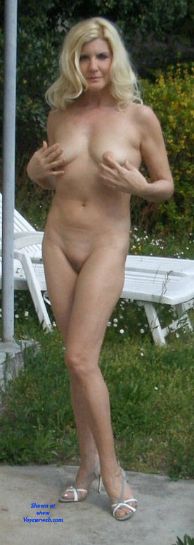 Pic #2 I Get Horny When Someone Photographs Me Naked - Nude Girls, Blonde, Outdoors, Shaved, Amateur