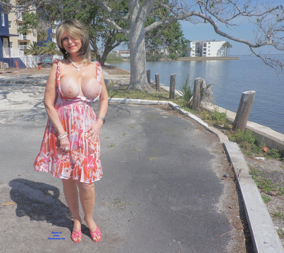 Pic #5 Pretty Pink Print dress - Big Tits, High Heels Amateurs, Outdoors