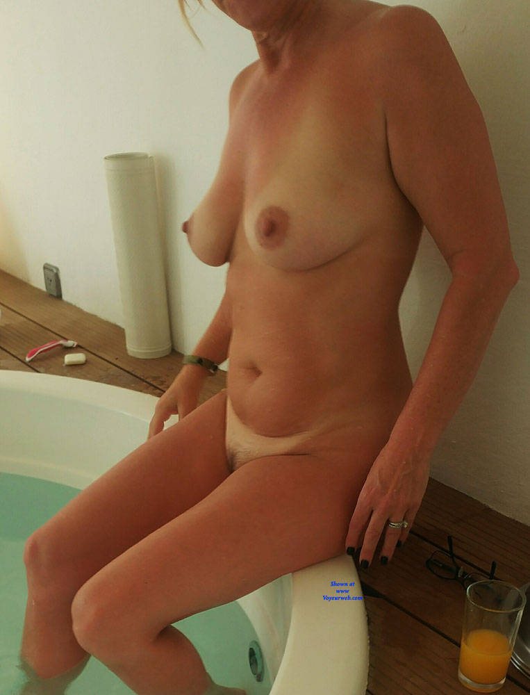 Pic #3 Vacation Pictures - Nude Wives, Big Tits, Mature, Amateur