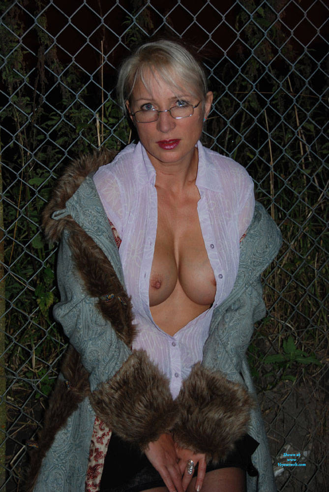 Pic #4 A Walk In The Dark Part 1 - Big Tits, Outdoors, Wife/wives
