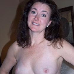 Show Time - Big Tits, Brunette, Amateur