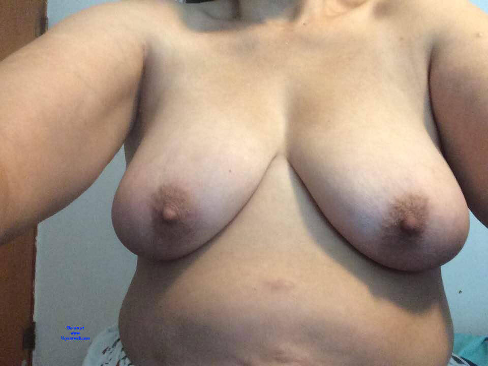 Pic #4 Playing Around - Nude Girls, Big Tits, Amateur