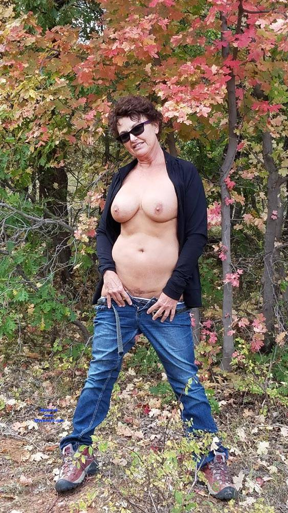 Pic #1 Fall Posing - Nude Amateurs, Big Tits, Brunette, Outdoors, Nature