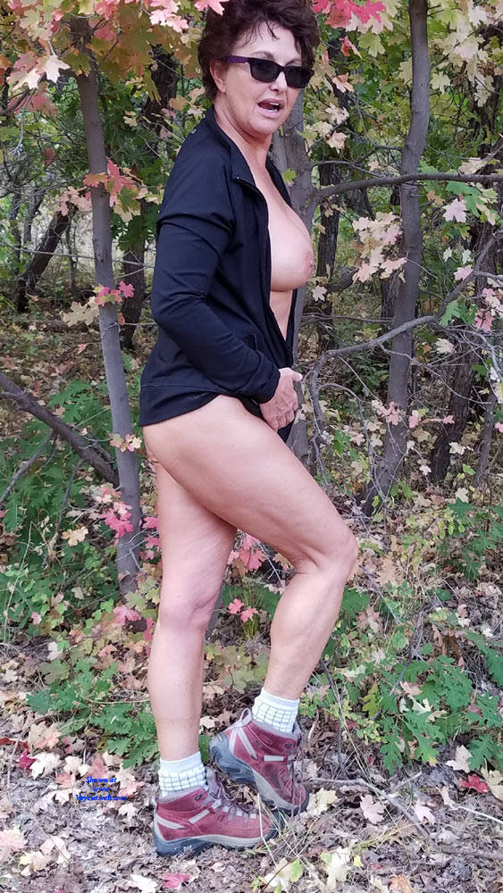Pic #4 Fall Posing - Nude Amateurs, Big Tits, Brunette, Outdoors, Nature