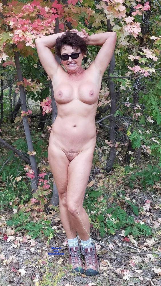 Pic #5 Fall Posing - Nude Amateurs, Big Tits, Brunette, Outdoors, Nature