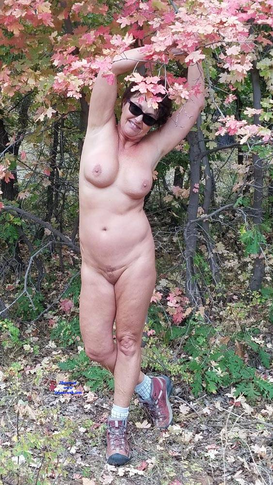Pic #6 Fall Posing - Nude Amateurs, Big Tits, Brunette, Outdoors, Nature
