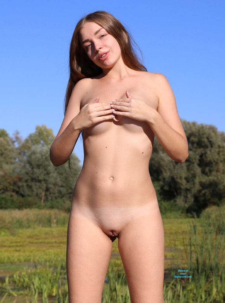 Pic #1 Summer Sky - Nude Girls, Big Tits, Brunette, Outdoors, Shaved, Amateur, Firm Ass