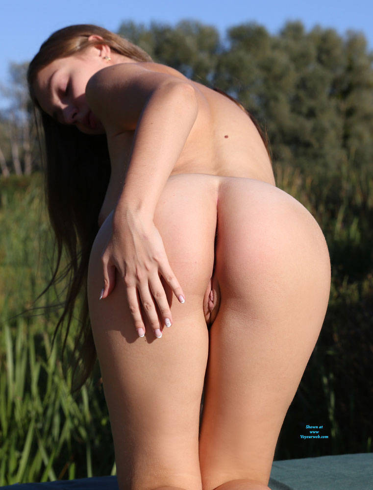 Pic #6 Summer Sky - Nude Girls, Big Tits, Brunette, Outdoors, Shaved, Amateur, Firm Ass