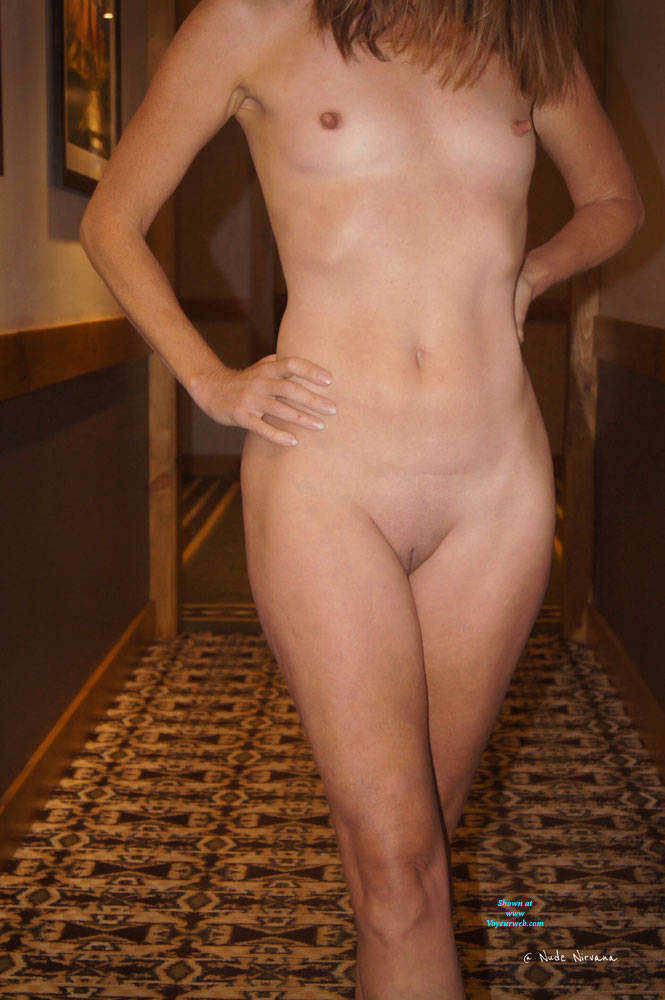 Pic #10 Nirvana Hallway - Nude Girls, Public Exhibitionist, Flashing, Public Place, Small Tits, Shaved, Amateur