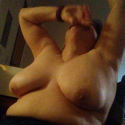 Just Taking Pics Of My Friend - Topless Friends, Big Tits, Amateur