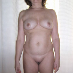 To Try On A Bathing Suit - Nude Girls, Big Tits, Amateur