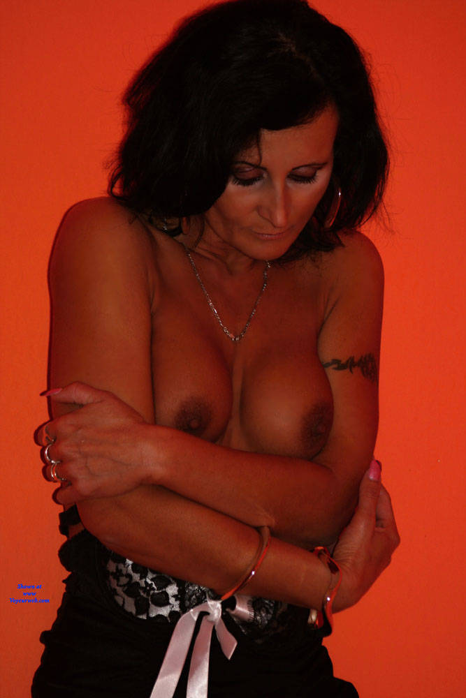 Pic #10 Sexy Lingerie - Big Tits, Brunette, Lingerie, High Heels Amateurs
