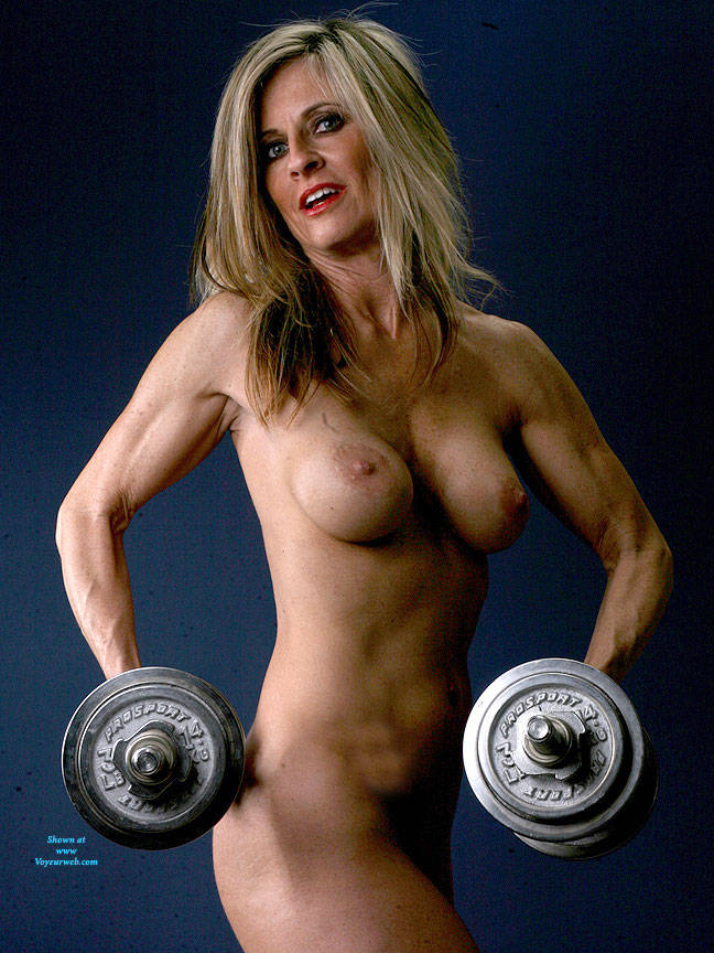 Pic #2 Weights - Nude Girls, Big Tits, Blonde, Shaved, Mature