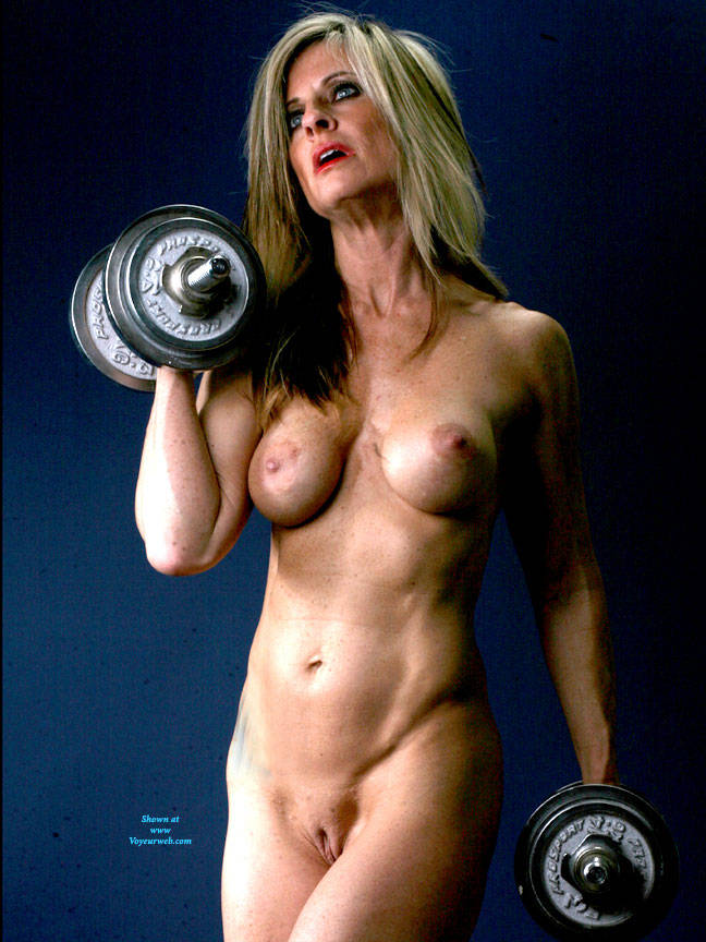 Pic #5 Weights - Nude Girls, Big Tits, Blonde, Shaved, Mature