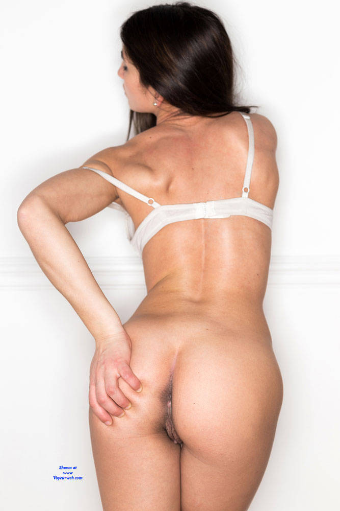 Pic #3 Testing A Ringflash - Nude Girls, Brunette, Bush Or Hairy, Amateur