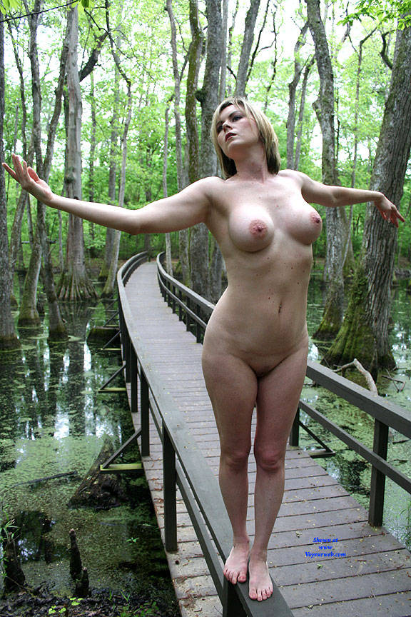 Pic #6 On The Bridge - Nude Girls, Big Tits, Outdoors, Amateur