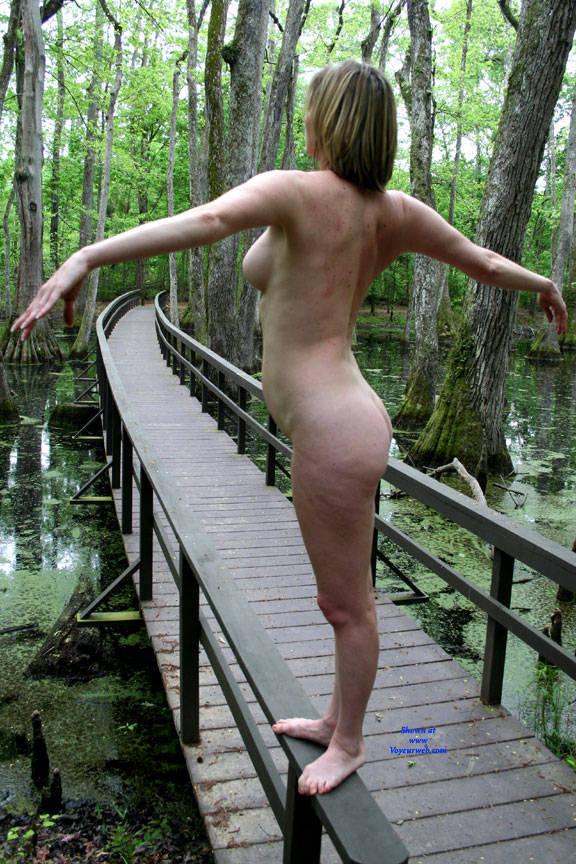 Pic #8 On The Bridge - Nude Girls, Big Tits, Outdoors, Amateur