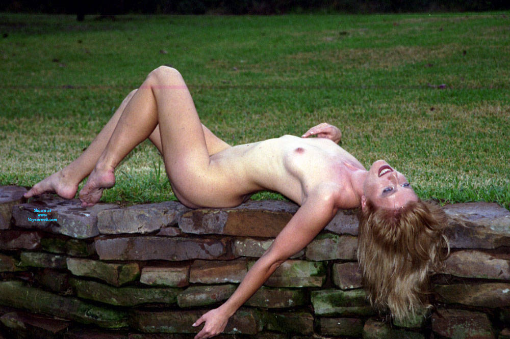 Pic #9 Nude Frolicking - Nude Girls, Outdoors, Amateur
